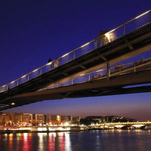 Webnet delivers elegance and safety across the Seine